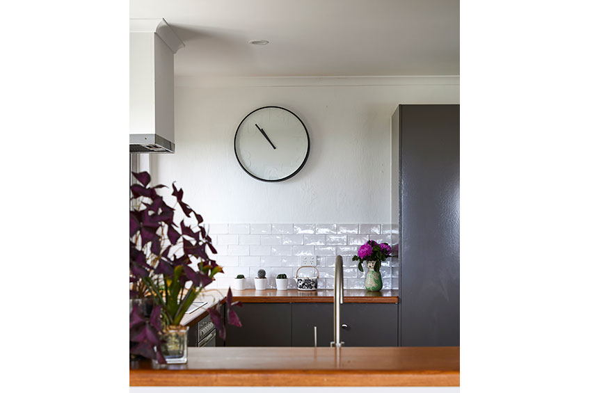 BoxClever_AlexHeads_kitchen-clock